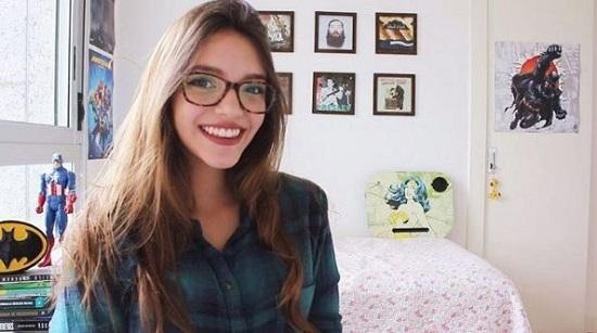 Altura e peso da Débora Aladim